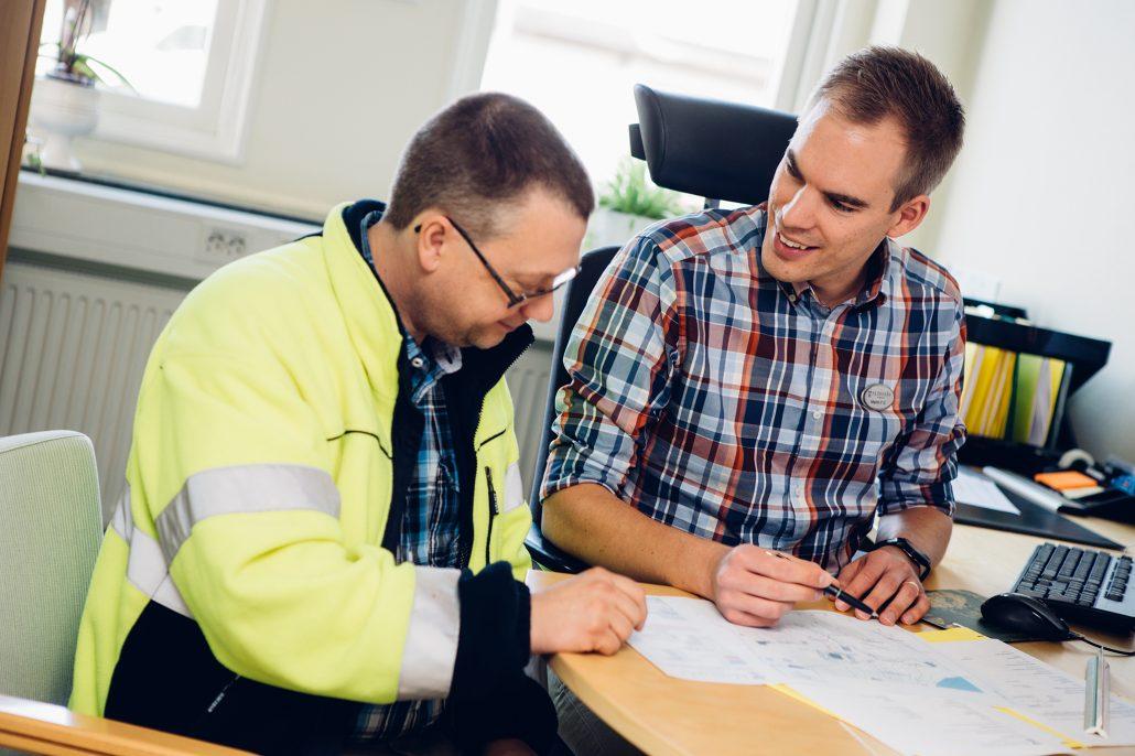 Om du behöver rådgivning när du ska ansöka om bygglov så är du välkommen att boka tid för möte med bygglovshandläggare.